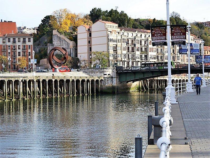 Bilbao river near city hall