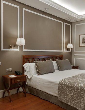 Catalonia Las Cortes – Luxurious 4 stars hotel in the Barrio de las Letras in the center of Madrid