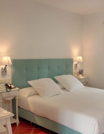 Hotel Malaga Picasso – Excellent 3 star hotel just outside of Málaga featuring a pool