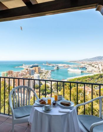 Parador de Málaga Gibralfaro – Spectacular 4 star hotel near the Gibralfaro in Málaga with spectacular views and a wonderful pool