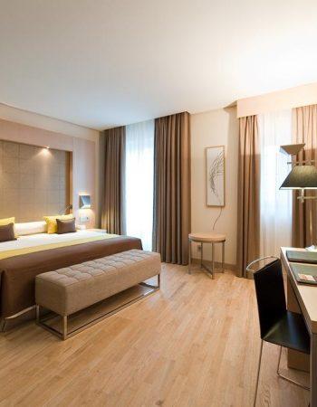 Vincci Selección Posada del Patio – Spectacular 5 star hotel in the heart of Málaga near the Picasso Museum that features a pool