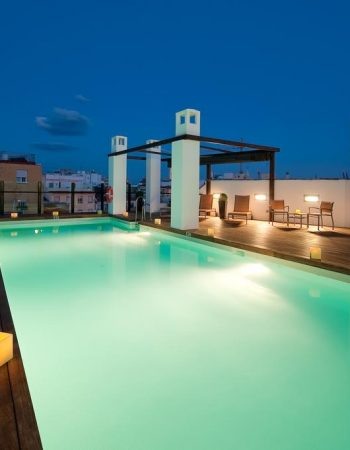 Vincci Selección Posada del Patio – Spectacular 5 star hotel in the heart of Málaga near the Picasso Museum that features a pool