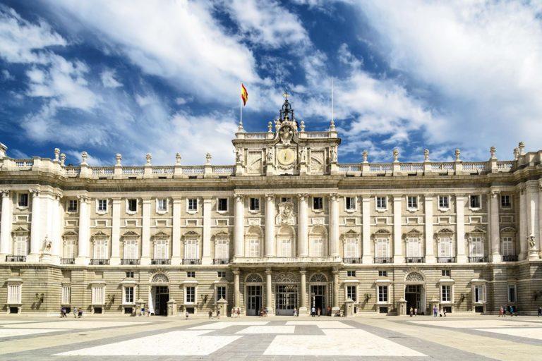 Wonderful hotels near the Royal Palace of Madrid.