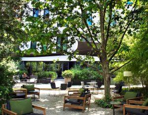 Alma Barcelona GL offers Pool