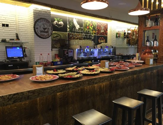 Aragon y Capel – Excellent traditional Andalusian tapas joint in the heart of Málaga