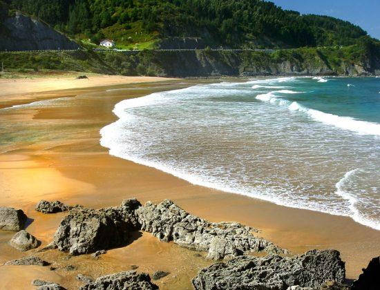 PLAYA DE LAGA – a great beach near Bilbao