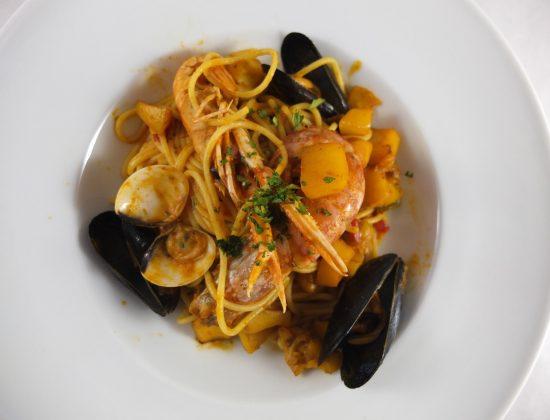 Bo de Gracia- paella and casual meal near Casa Mila