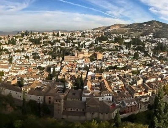 El Albaicin in Granada – the best view points of la Alhambra