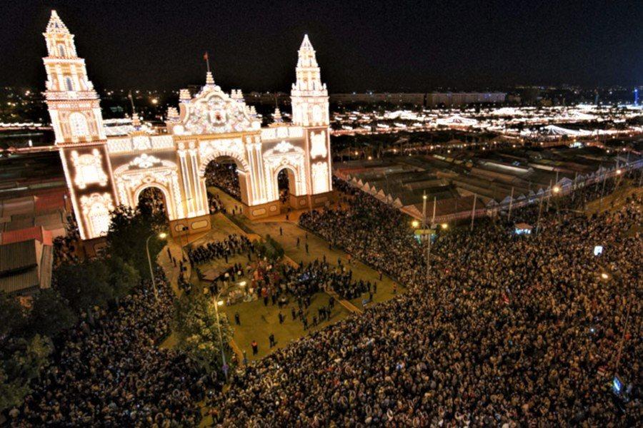 The lights are on in Sevilla Fair