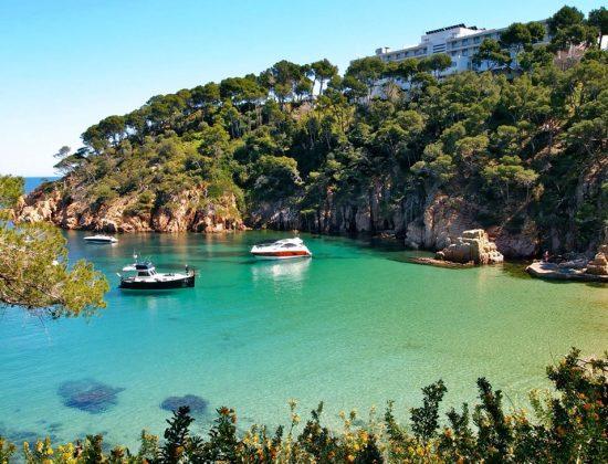 CALA AIGUABLAVA, Begur – Amazing secluded beach on the Mediterranean coast