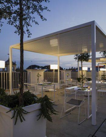 Hotel Fernando III – 4 star hotel in Santa Cruz neighborhood with roof pool
