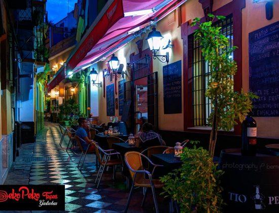 Peko Peko Tapas restaurant in Seville