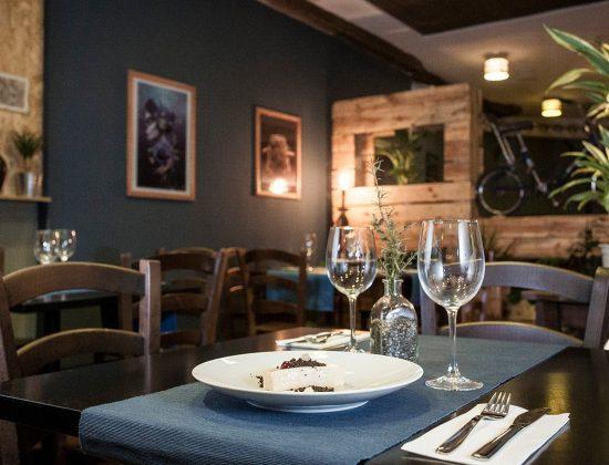 Rucua Gastrobar – Wonderful tapas and rations restaurant in Málaga's port