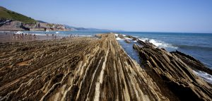 LA PLAYA DE ITZURUN-Fantastic cliffs with amazing shapes!