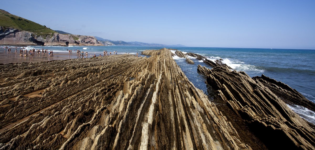 LA PLAYA DE ITZURUN-Fantastic cliffs with amazing shapes!
