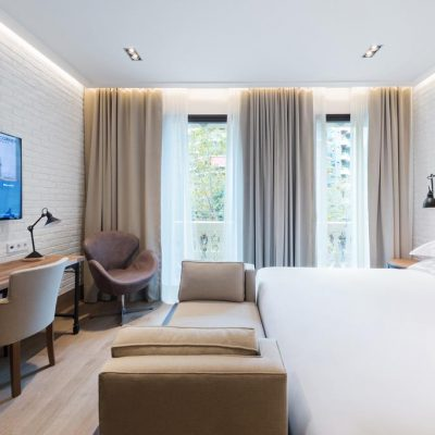 The Corner Hotel – Beautiful and comfortable 4-star hotel in the center of  Barcelona