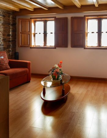 Campanas de San Juan – Recommended apartment for 4 in the center of Santiago de Compostela