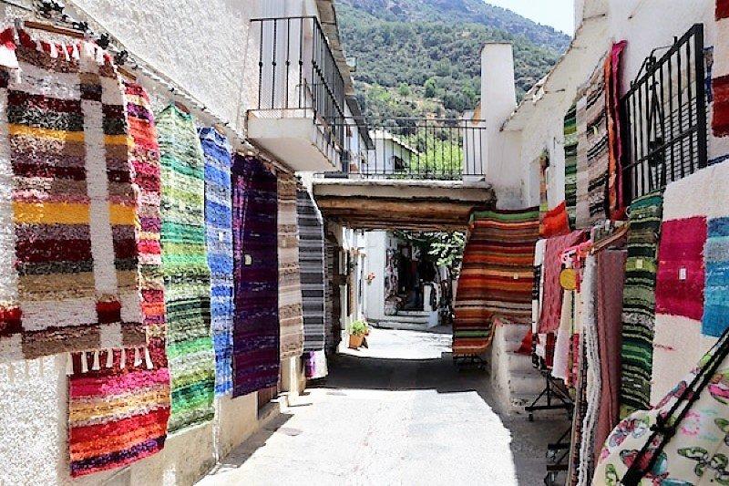 Textile artisans in Pampaneira