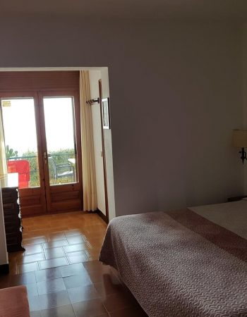 Hostal Sa Barraca – Adults Only – Charming 2 stars hostel in the center of Begur with spectacular views of the Mediterranean
