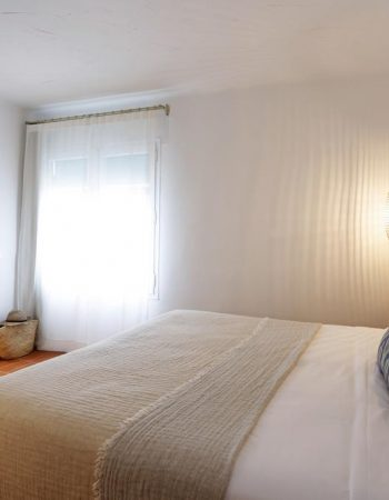 Hostal Ses Negres – Spectacular and romantic hostel, meters from Sa Riera beach in Begur, Girona