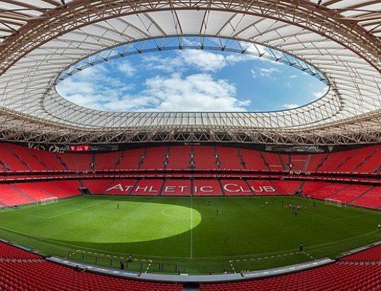 San Mamés stadium <script async defer src=