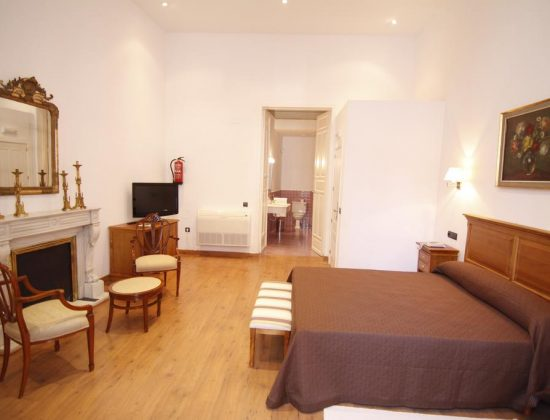 Hotel Albarragena: Fantastic 3 star lodging in the heart of Caceres