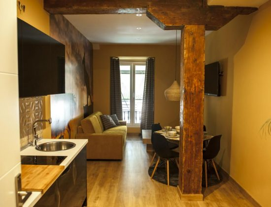 Art Suite: excellent and charming 2 star hotel in the center of Santander