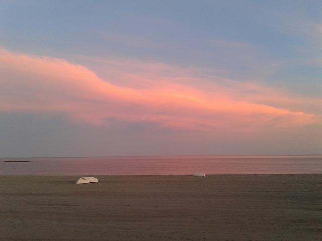 playa de los muertos sunset