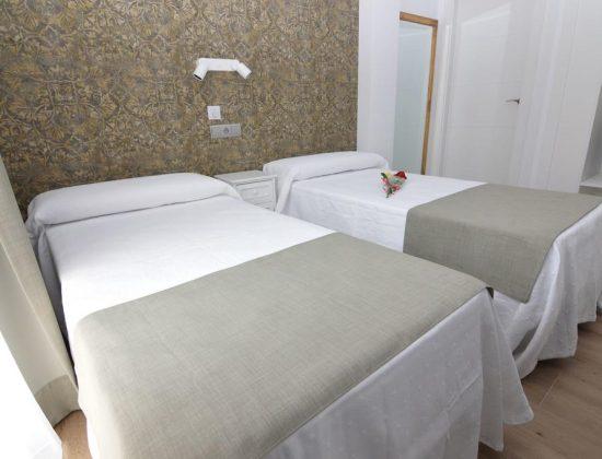 Hotel Castillo Benidorm: Charming 1 star hotel in the very center of of Benidorm