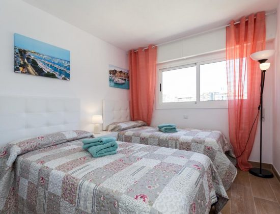 Las Palmeras 10A: fantastic touristic apartment in the center of Benidorm