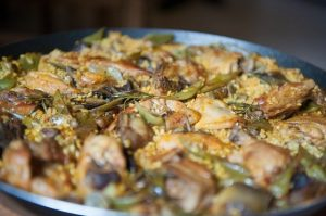 How to make traditional paella