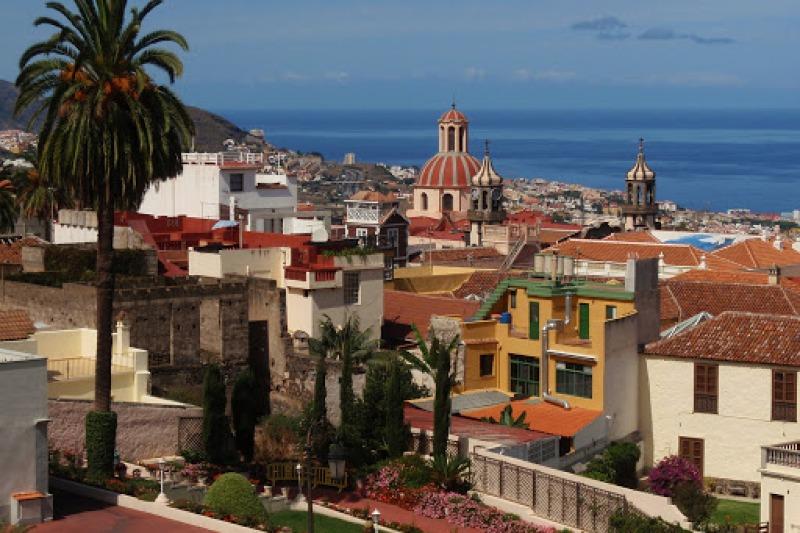 Views of la Orotava and the ocean