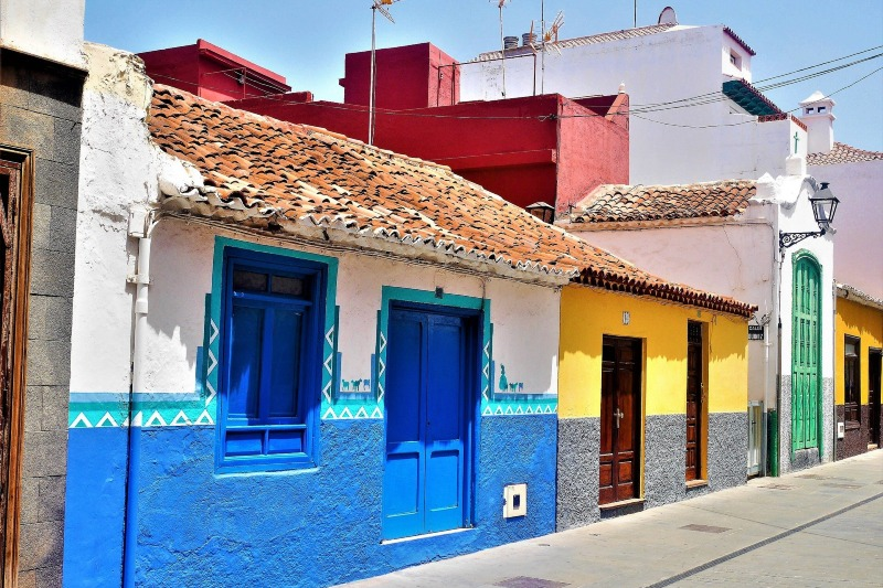 Colourful houses in the Puerto de la Cruz
