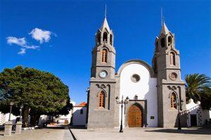 Square and church in Telde, Gran Canaria