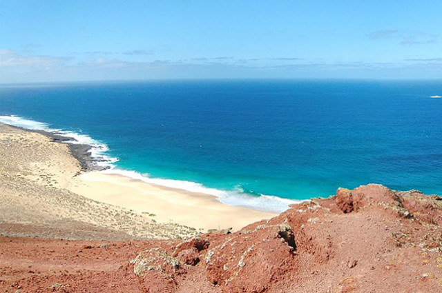 isla de la graciosa beach