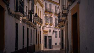 winding streets santa cruz seville