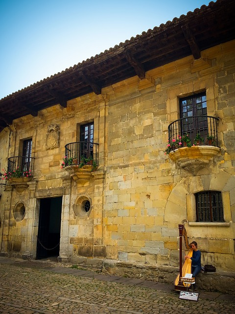 building exterior santillana del mar