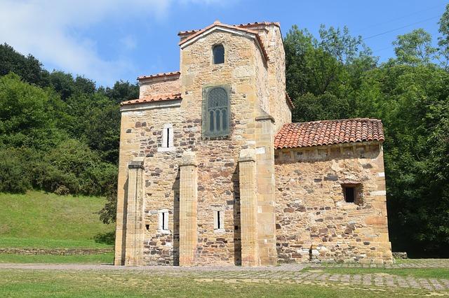 gothic church oviedo