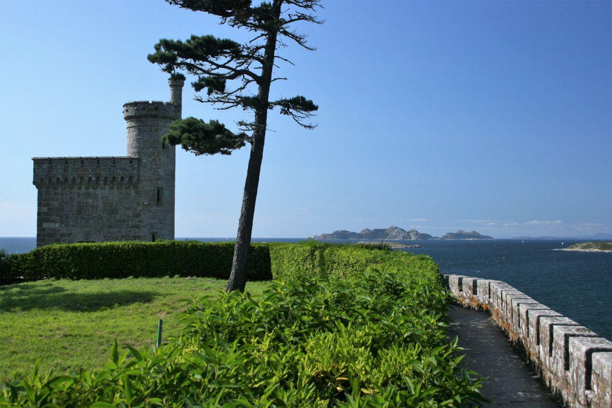 Castle and sea in Rias Baixas